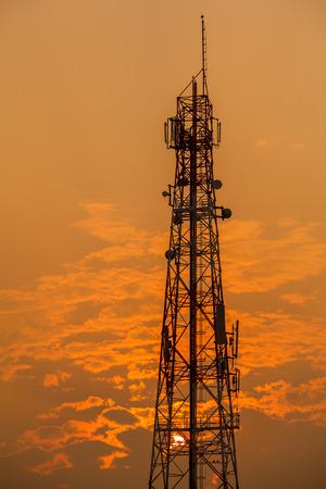Researchers Develop Terahertz Band Wireless Transmitter
